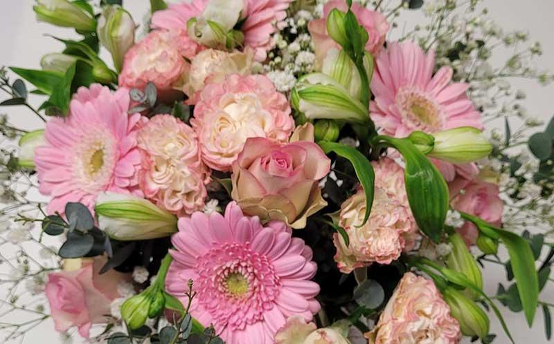 Blomförsändelse, blomförmedling och nätbutik